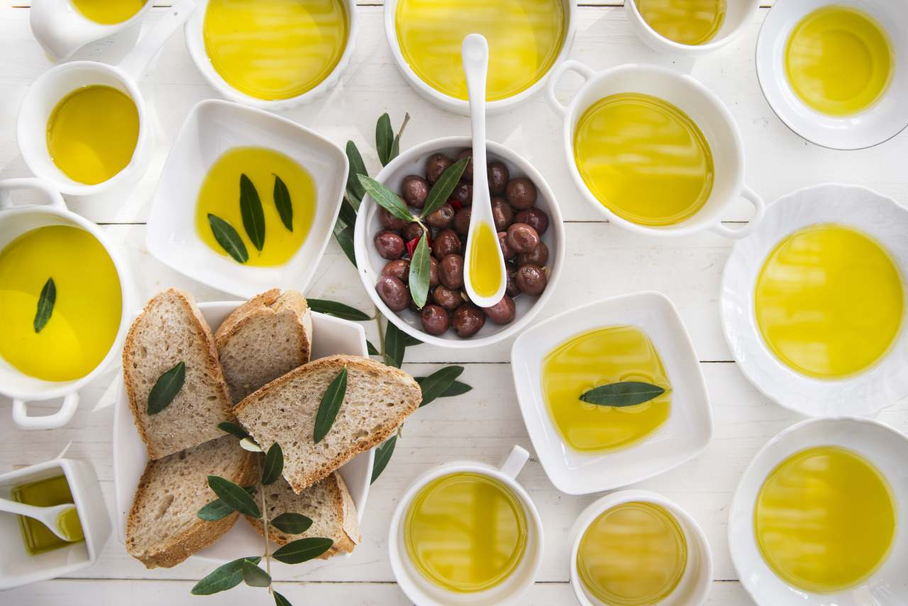 Olio il tesoro d'oro – le differenze tra Olio Evo e olio d'oliva extravergine